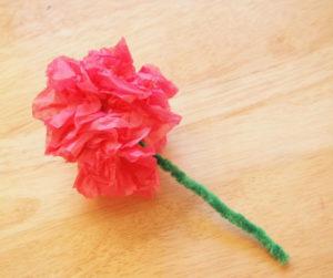 Как делать цветы из салфеток (9)