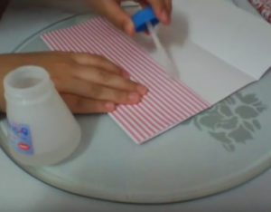 Как красиво упаковать подарок в бумагу (34)