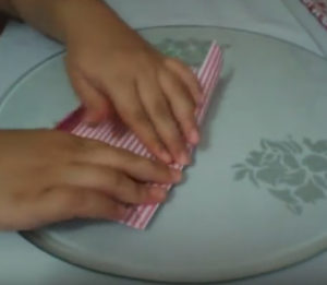 Как красиво упаковать подарок в бумагу (50)