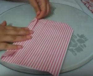 Как красиво упаковать подарок в бумагу (56)