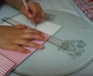 Как красиво упаковать подарок в бумагу (65)