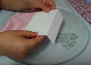 Как красиво упаковать подарок в бумагу (76)