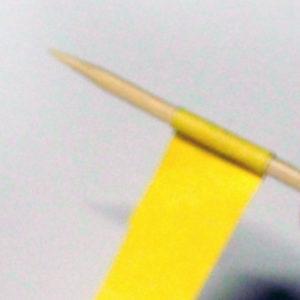 Как сделать бусы из бумаги (7)