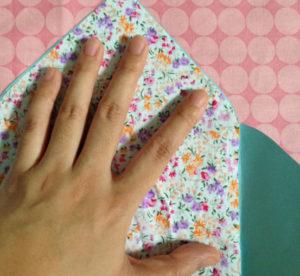 Как сделать маленькие конвертики из бумаги (7)