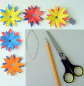 Как сделать открытку на 8 марта. Поделки своими руками для детей детского сада (7)
