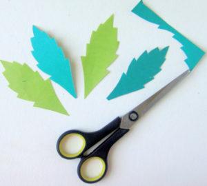 Как сделать открытку на 8 марта. Поделки своими руками для детей детского сада (8)