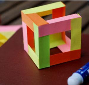 Как сделать поделку из цветной бумаги (12)