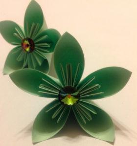 Подарок маме на 8 марта своими руками. Как сделать оригами цветок легко (12)