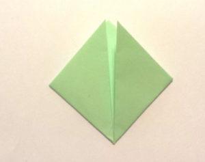 Подарок маме на 8 марта своими руками. Как сделать оригами цветок легко (2)