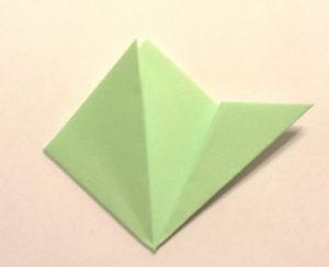 Подарок маме на 8 марта своими руками. Как сделать оригами цветок легко (3)
