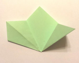 Подарок маме на 8 марта своими руками. Как сделать оригами цветок легко (5)
