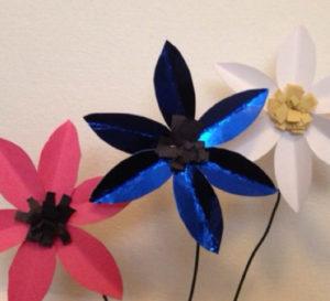 Самые простые цветы из бумаги (18)