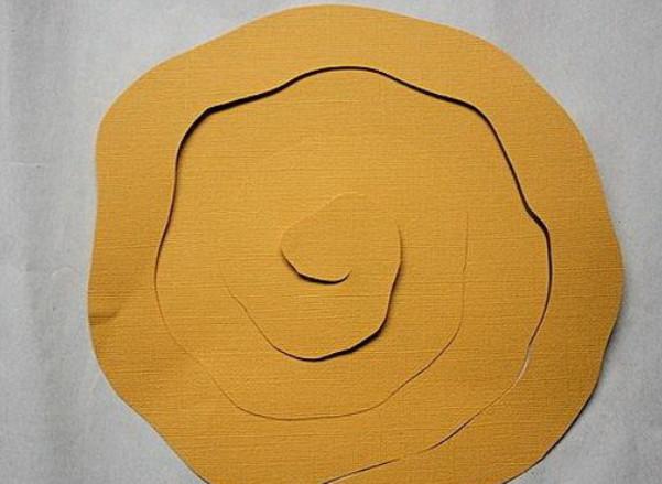 Из бумажных спиралей (13)