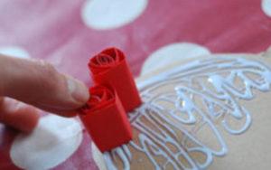 Как делать сердечки из бумаги (1)