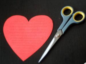 Как делать сердечки из бумаги (33)