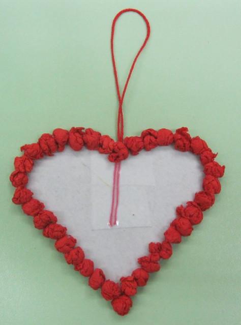Как делать сердечки из бумаги (60)