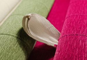 Крокусы из гофрированной бумаги (18)
