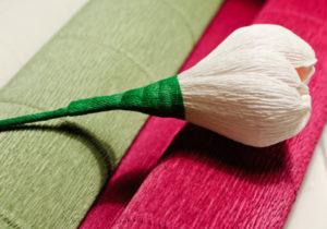 Крокусы из гофрированной бумаги (25)