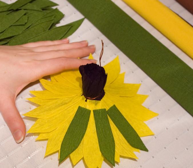 Тюльпан из гофрированной бумаги своими руками пошагово