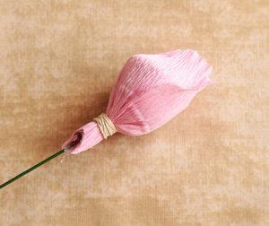 Роза из гофрированной бумаги (12)