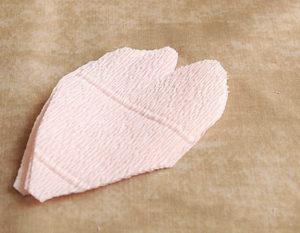Роза из гофрированной бумаги (20)
