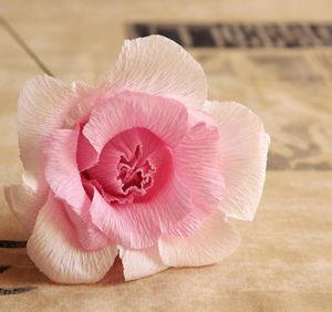 Роза из гофрированной бумаги (22)