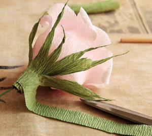 Роза из гофрированной бумаги (27)