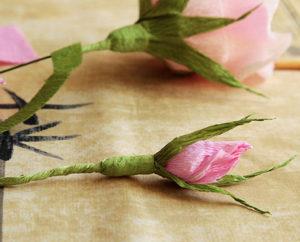 Роза из гофрированной бумаги (33)