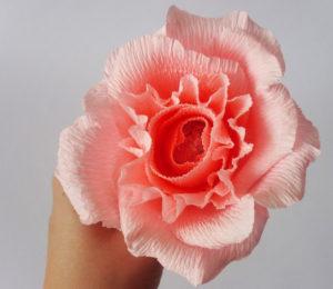 Роза из гофрированной бумаги (35)