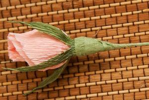 Розы из гофрированной бумаги пошагово (31)