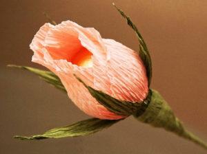 Розы из гофрированной бумаги пошагово (32)