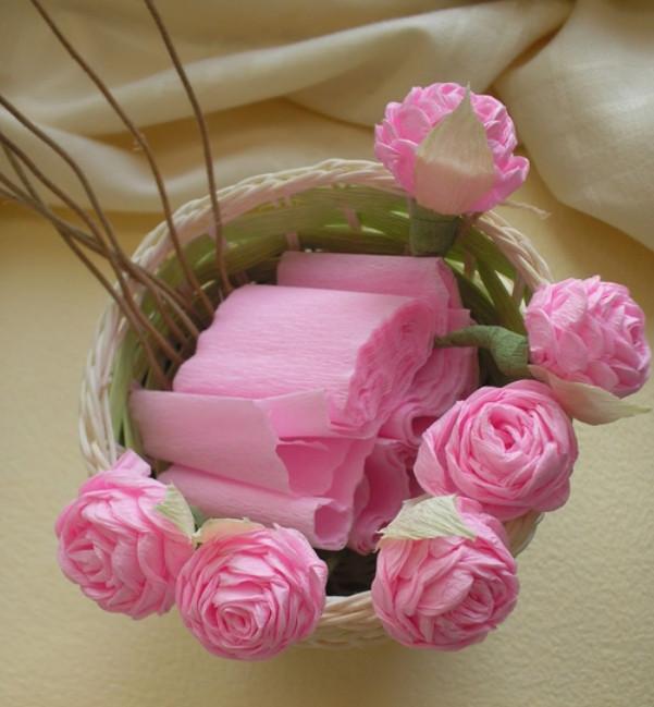 Плоские розы из гофрированной бумаги пошагово