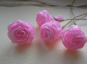 Розы из гофрированной бумаги пошагово (40)