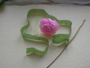 Розы из гофрированной бумаги пошагово (41)