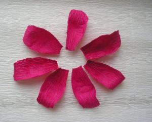 Розы из гофрированной бумаги пошагово (9)