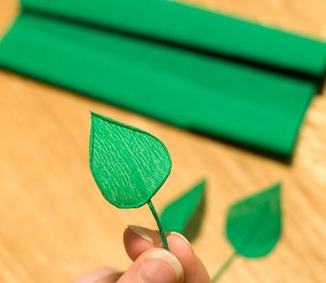 Цветы из гофрированной бумаги для начинающих (18)
