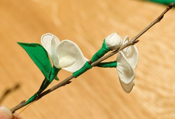 Цветы из гофрированной бумаги для начинающих (27)