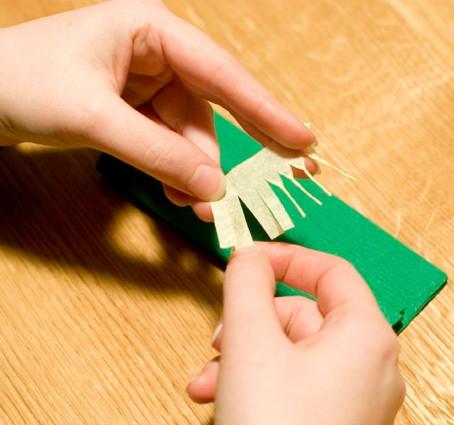 Цветы из гофрированной бумаги для начинающих (4)