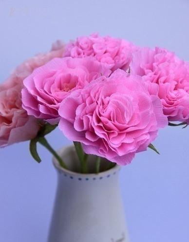 Цветы из гофробумаги своими руками (46)