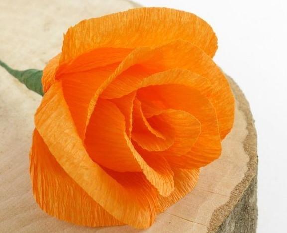 Цветы из гофробумаги своими руками (47)
