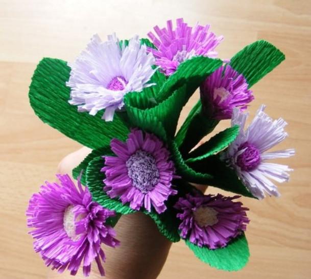Цветы из гофробумаги своими руками (5)