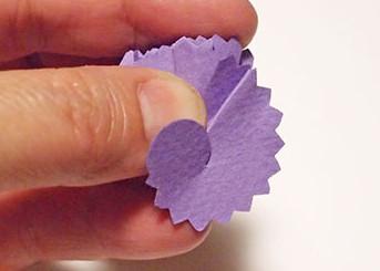 Гвоздика из бумаги своими руками.
