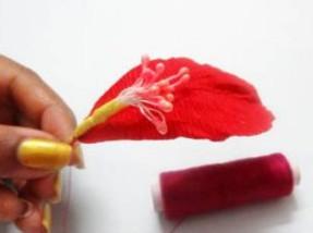 Как сделать цветы из бумаги своими руками.
