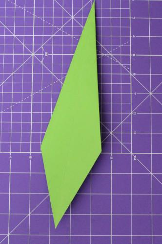 Как сделать тюльпан из бумаги .