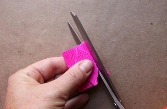 Букет из гофрированной бумаги своими руками.
