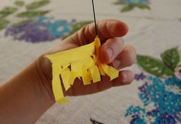 Как сделать из бумаги цветы своими руками .