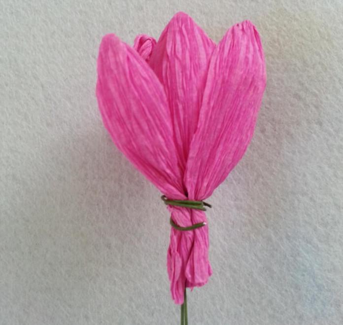 Тюльпаны из гофрированной бумаги своими руками поэтапно