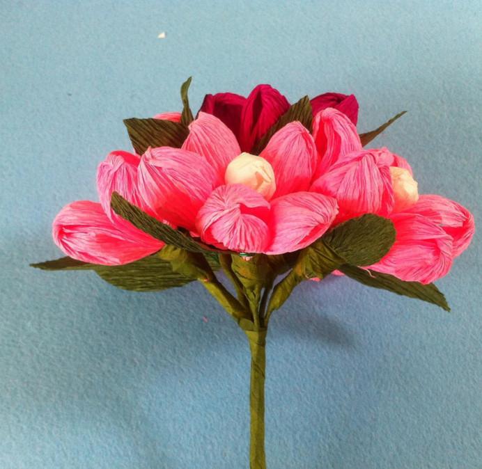 Простые цветы из бумаги своими руками.