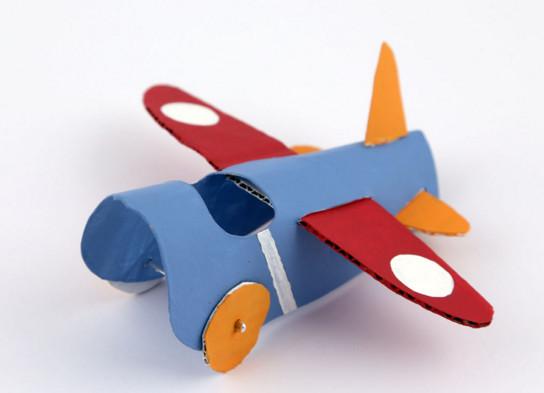 Как сделать самолётик из бумаги