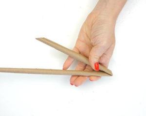 Как из бумажных трубочек сплдести корзинку (6)